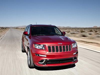 Jeep-Grand_Cherokee_SRT8_2012_1600x1200_Front_Angle_01