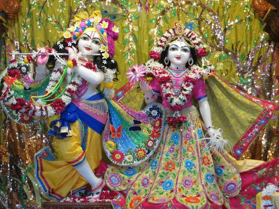 ISKCON Aravade Deity Darshan 17 Dec 2015 (4)