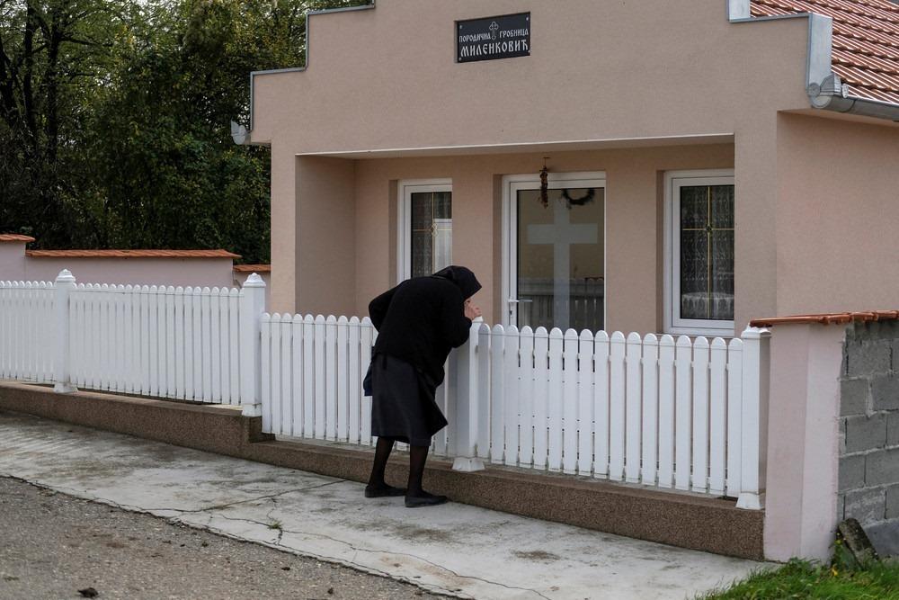 serbia-bungalow-cemeteries-9