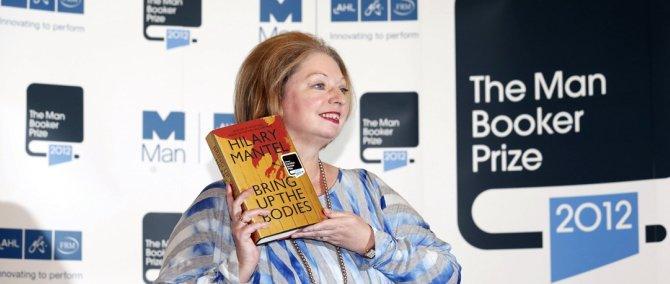 A 2012-es Booker-díjas: Hilary Mantel és a Holtaknak menete