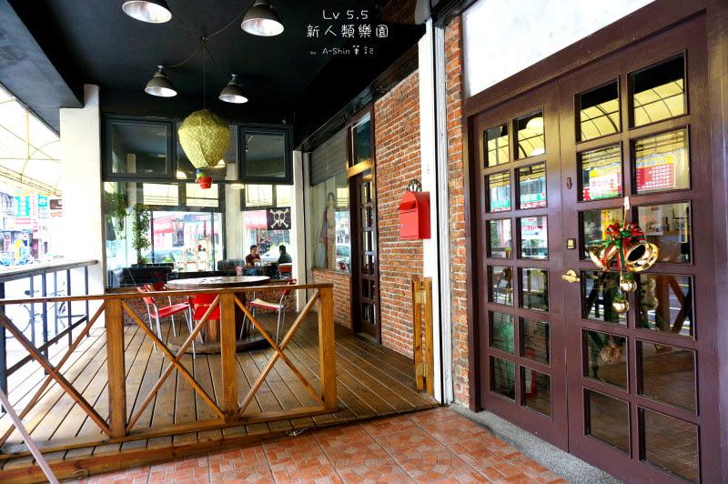 來到LV5.5新人類樂園可是有專屬戶外用餐區