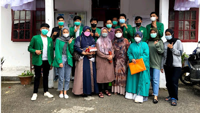 Mahasiswa KKN Unand Ikut Sukseskan Vaksinasi COVID-19 di Kampung Manggis