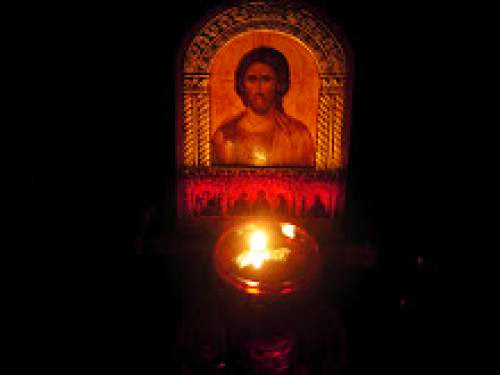 Orthodox Churches Observe Pascha