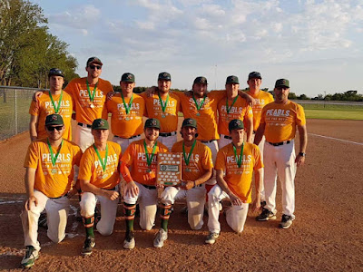 21U AAA Hoppers have their orange Pearl tee shirts on at Provincials.  They look awesome.