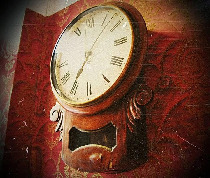 pikkukabinetti kello, vanha
