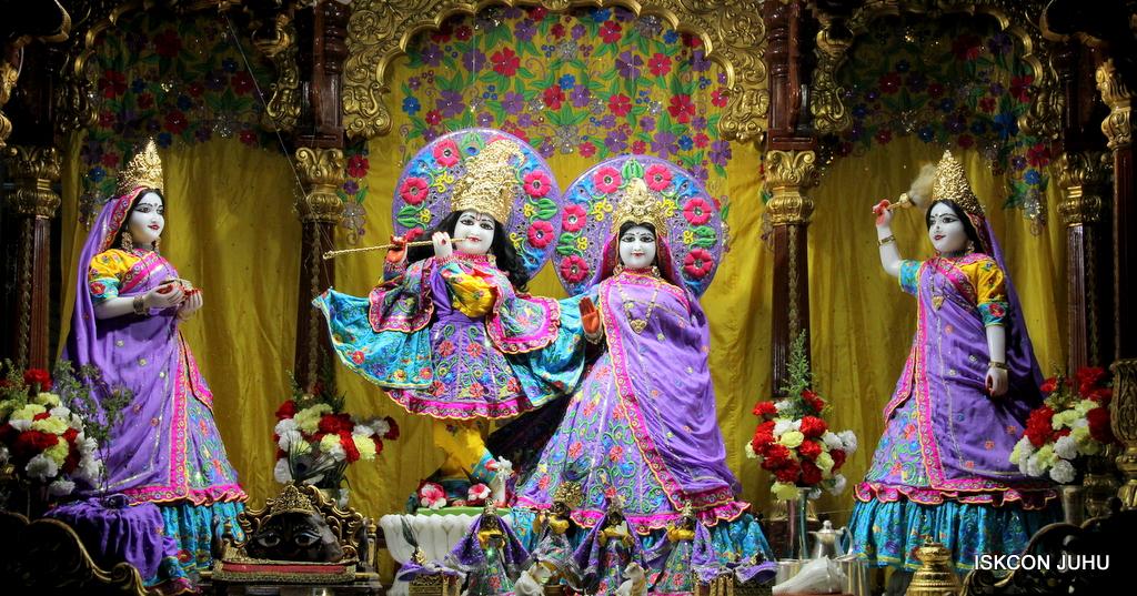ISKCON Juhu Mangal Deity Darshan on 19th Jan 2017 (17)