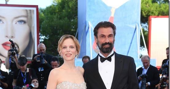 Giorgio armani veste la cerimonia di apertura della 73esima edizione della mostra internazionale d'arte cinematografica di venezia