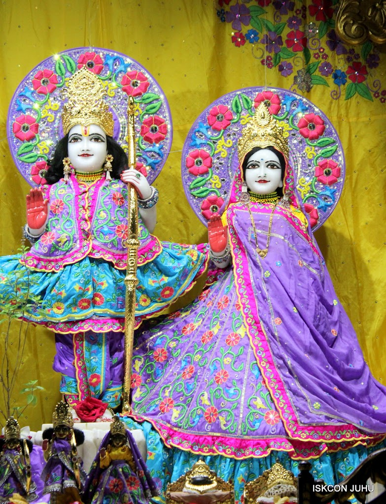 ISKCON Juhu Mangal Deity Darshan on 24th Sep 2016 (8)