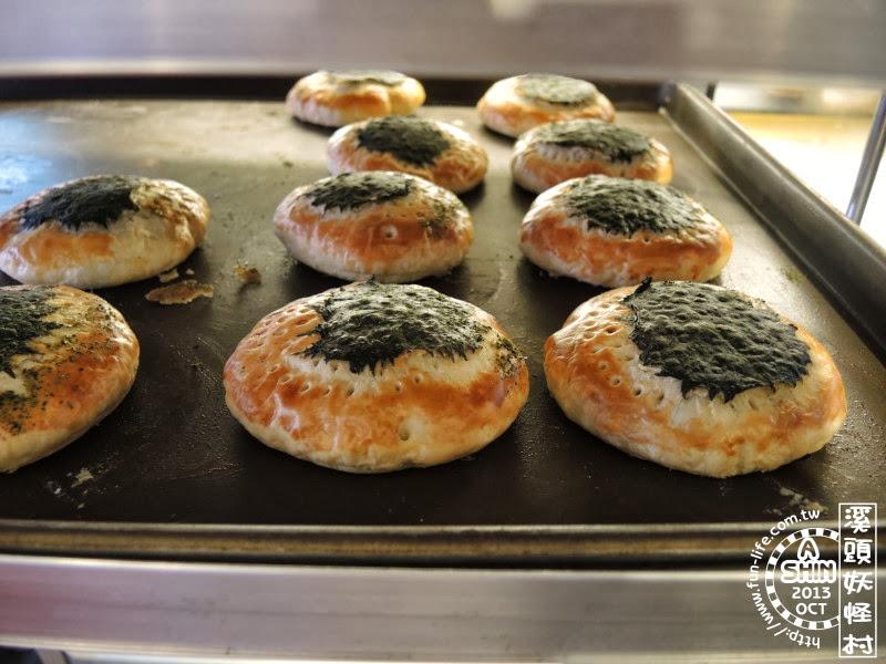 專屬於溪頭妖怪村內久保田烘培坊的咬人貓麵包
