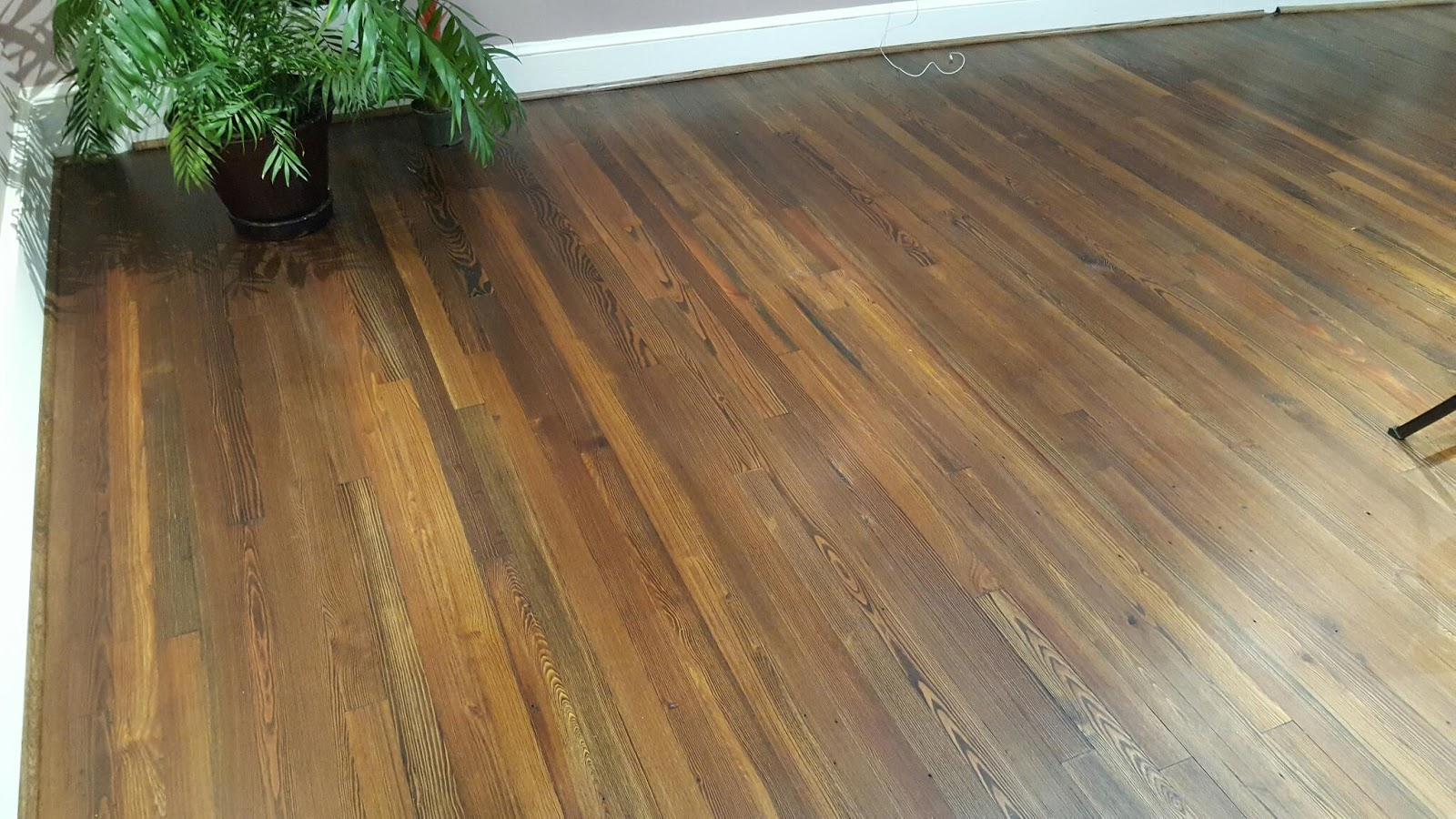 Universal floors reclaimed pine stained for Universal flooring
