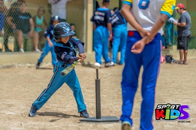 Juni 28, 2015. Baseball Kids 5-6 aña. Hurricans vs White Shark. 2-1. - basball%2BHurricanes%2Bvs%2BWhite%2BShark%2B2-1-48.jpg