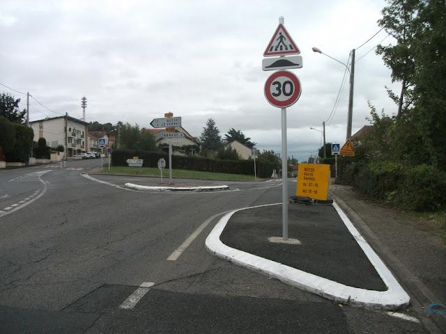 5 oct. 2019 (19261) – Intersection entre la D 126 (vers Abrest, à droite) et la D 270 (vers Busset et Le Vernet, à gauche)