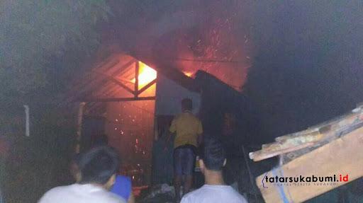 Jelang Sahur, Rumah di Cisaat Ludes Terbakar