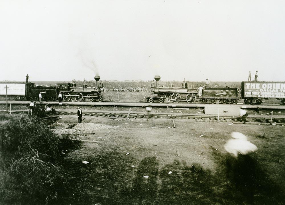 train-crash-crush-texas-4