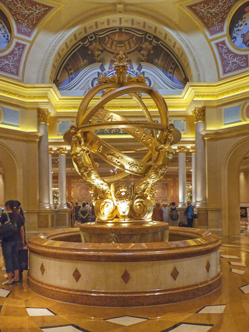 Golden fountain at The Venetian Macao