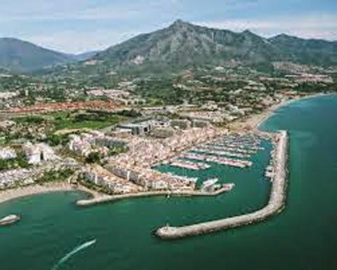 Vista aérea de Puerto Banús (España)