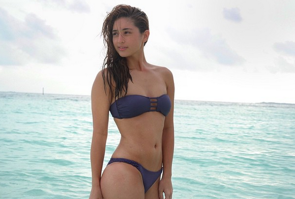 coleen garcia- bikini photo shoot in maldives 01-03-2015-06.png
