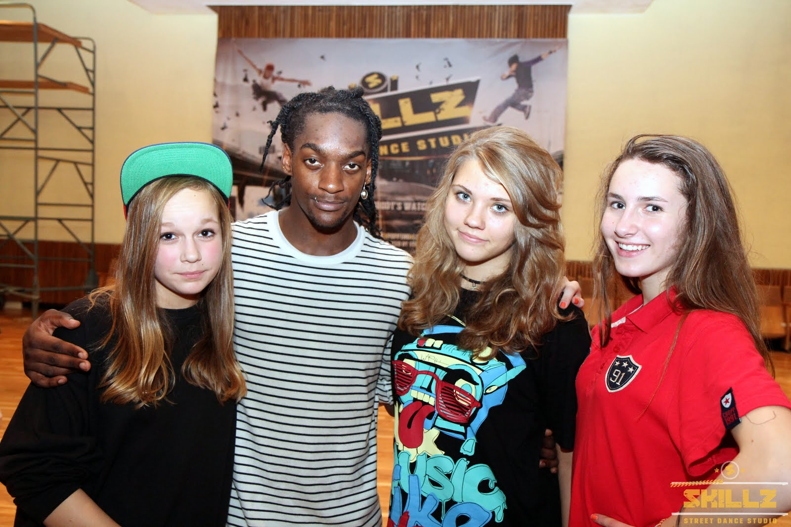 Hip- Hop workshop with Shaadow (UK) - IMG_1943.jpg
