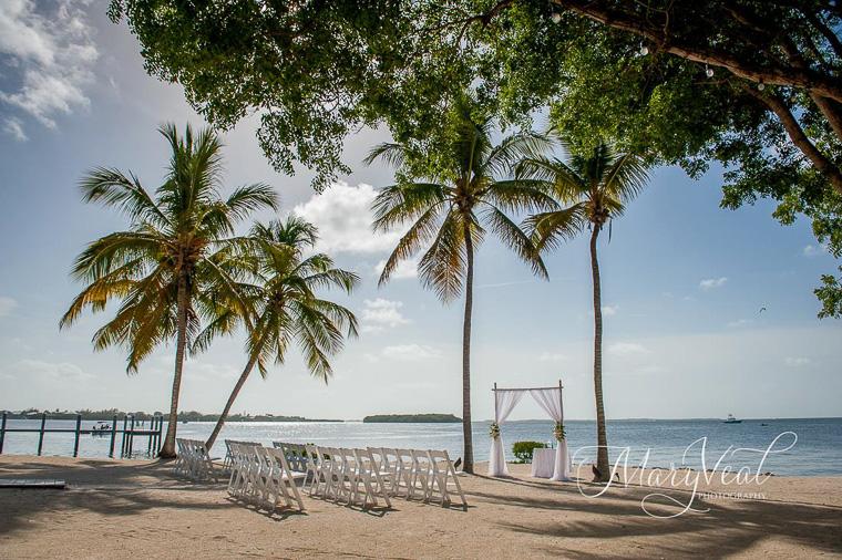 Intimate Beach Wedding Ceremony in Florida, FL Keys Wedding Ideas ...