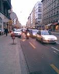Rue de Lausanne, inauguration de la piste anti-cyclable: épisode 3. Photo: dani