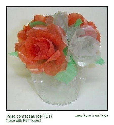 vasinho com rosas de garrafa PET