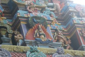 Mayiladuthurai Temple Main Gopuram In Detail 02