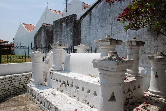 Makam-Hang-Kasturi-Tomb-of-Hang-Kasturi