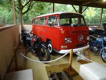 2018.07.02-092 moto Sardé et VW Combi T2A Deluxe 1970