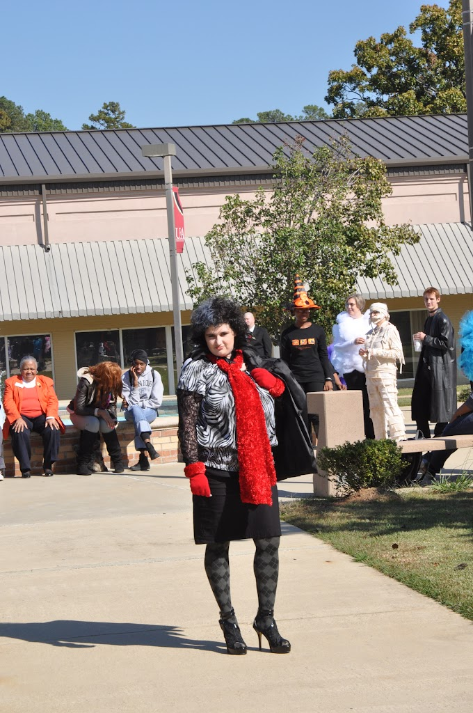 Halloween Costume Contest 2012 - DSC_0203.JPG
