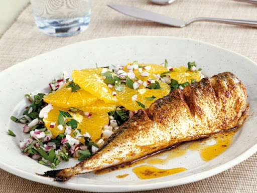 Spiced mackerel with parsley & orange salad