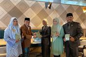 Bareng Legislator PPP Wajo, Andi Nurhidayati Serahkan Bantuan Mushaf Al-Qur'an