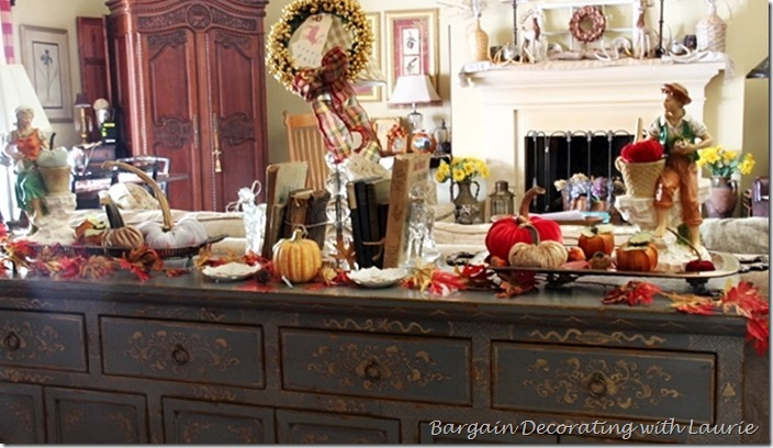FALL VIGNETTE ON BUFFET