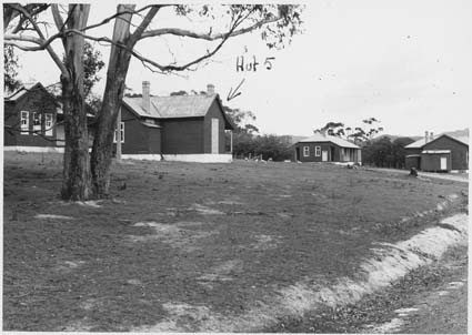 Bruny Island Quarantine Station - Building complex including hut 5 Date : 1945