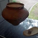 Musée départemental de Préhistoire d'Île-de-France : Jarre en terre cuite (Grisy-sur-Seine), âge de bronze