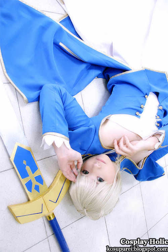 arisa mizuhara in fate/stay night cosplay - saber aka arturia pendragon