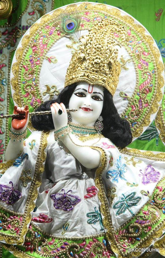 ISKCON Juhu Mangal Deity Darshan on 01st May 2016 (16)