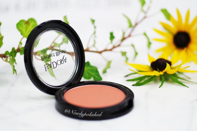 IsaDora Bohemian Flair Perfect Blush 66 Bare Berry