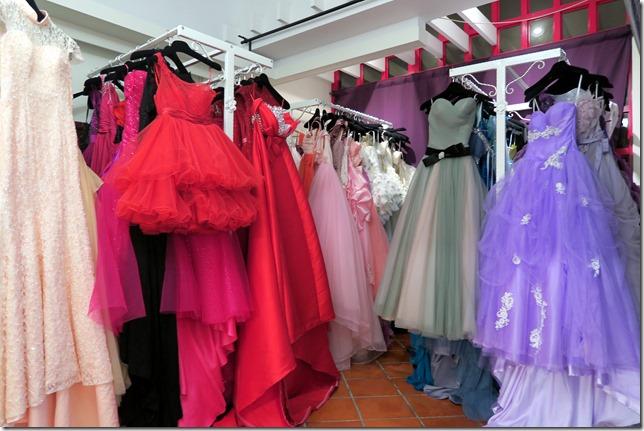 城市花園婚禮工坊 高雄自助婚紗 - 拍婚紗照之禮服挑選 (21)