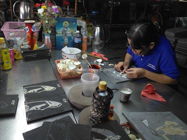 kedai seni kraftangan di vietnam