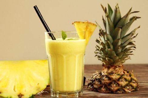 suco-de-abacaxi-para-diminuir-o-enjoo-na-gravidez-1-1-640-427