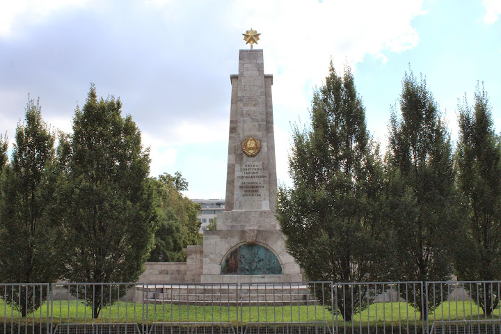 Soviet Monument in Liberty Square. Politics, Conflict, Culture: Contemporary Budapest in Context
