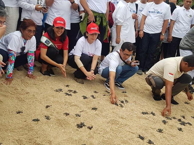 Kementerian Kelautan & Perikanan RI, Coca-Cola Amatil Indonesia, dan The Coca-Cola Company Mendukung Gerakan Bersih Pantai dan Laut