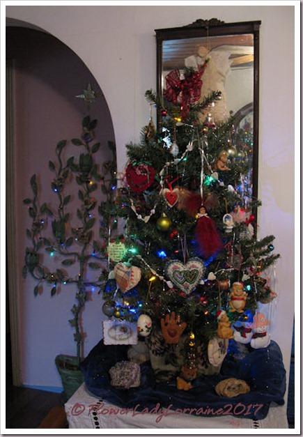 12-16-main-tree2