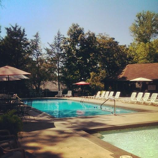 Lone Oak Apartments: Lone Oak Point Resort Condominiums In Missouri