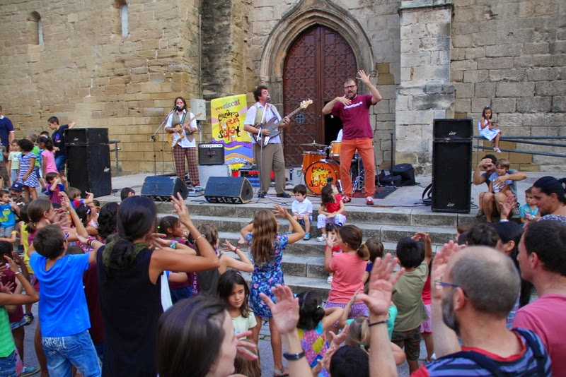 Festa infantil i taller balls tradicionals a Sant Llorenç  20-09-14 - IMG_4350.jpg