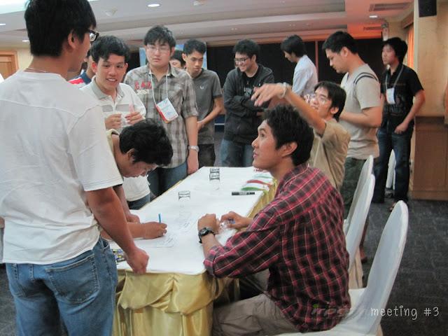 [Image: meet002.jpg]