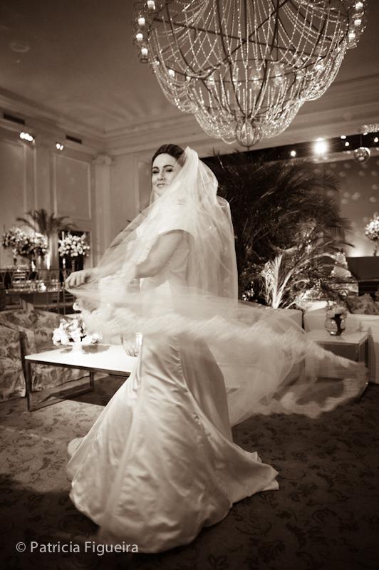 Foto de casamento 0421pb de Sunny e Richard. Marcações: 18/06/2011, Carol Hungria Vestido, Casamento Sunny e Richard, Fotos de Vestido, Rio de Janeiro, Vestido, Vestido de Noiva.