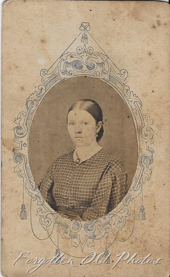 very old Cdv woman Wadena Flea