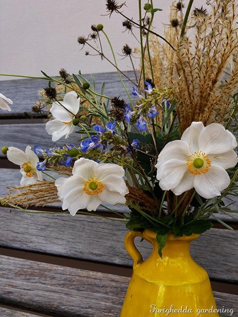 anemone bouquet 4