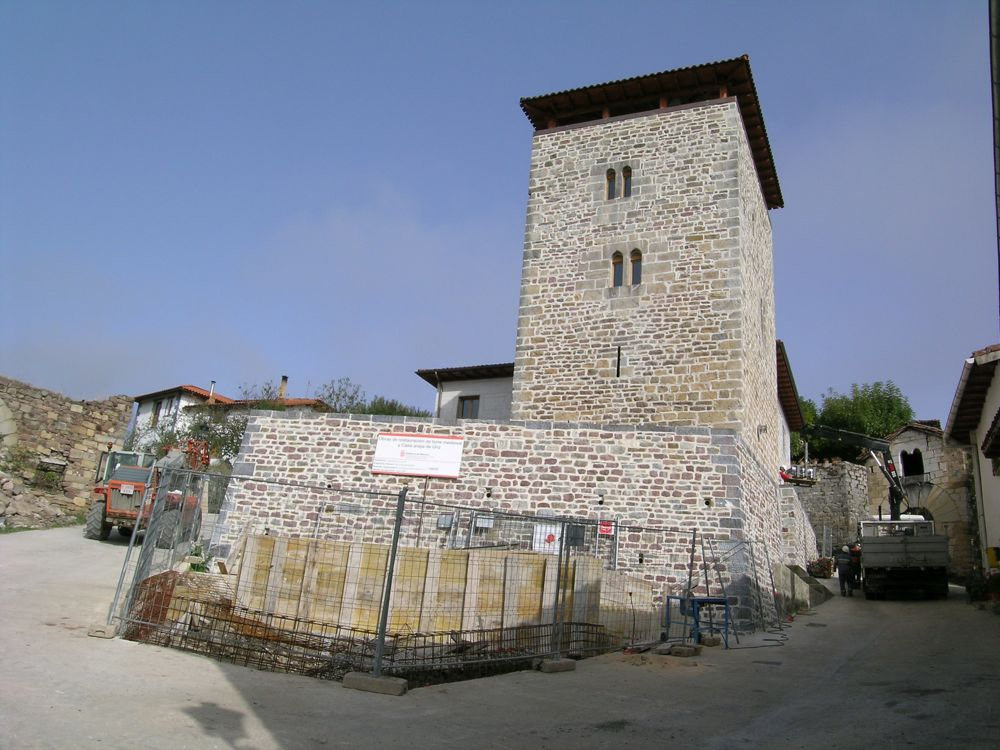 Reconstruccion Torre de Uriz - DSCN9323.JPG